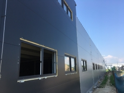 Vchodové hliníkové dveře - výrobní hala - Olomouc - Holice