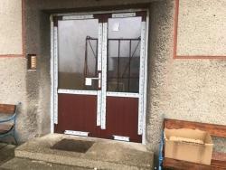 Dvoukřídlé hliníkové dveře - Čeladná