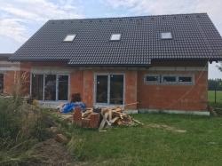 Novostavba Smilovice, F-M - plastová okna, domovní dveře, garážová vrata