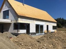 Novostavba Frýdlant nad Ostravicí - plastová okna, vstupní dveře, HS portál