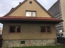 Plastová okna a balkonová sestava - rodinný dům Frýdek - Místek