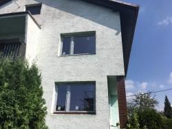 Plastová okna a venkovní parapety - rodinný dům Pertřvald
