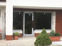 Plastová okna a vstupní dveře - rodinný dům - Fryčovice, okr. Frýdek - Místek