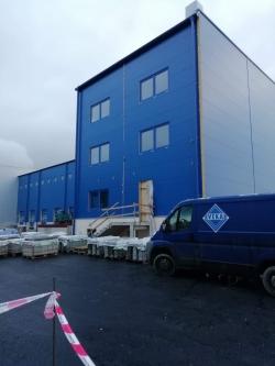 Sestavy plastových oken - skladovací hala - Opava
