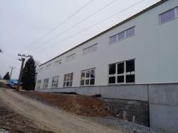 Výrobní hala - Chrást u Chrudimi - plastová okna, AL dveře
