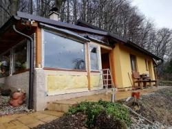 Plastová okna, vchodové dveře plastové - chata Palkovice, okr. Frýdek - Místek