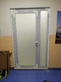 Hliníkové dveře - komerční objekt - Frýdek - Místek