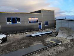 Výrobně skladovací hala Opava - plastová okna, hliníkové dveře