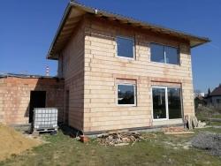 Novostavba rodinného domu ve Frýdku - Místku - plastová okna, posuvné dveře